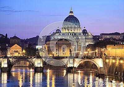 Vatican en la noche