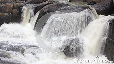 Vattenfall i Nakornnayok, Thailand lager videofilmer