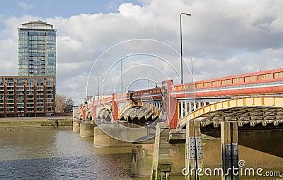 Vauxhall桥梁,伦敦