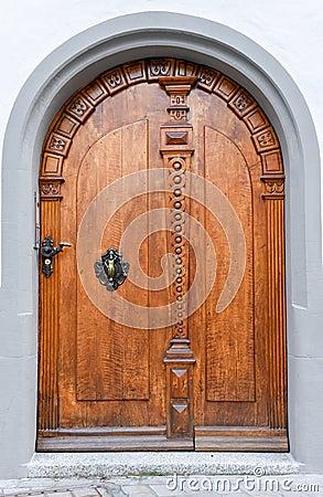 Vecchi eleganti wodden la porta chiusa fotografia stock - La porta chiusa sartre ...