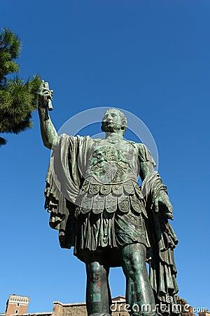 Vecchia statua a Roma Italia