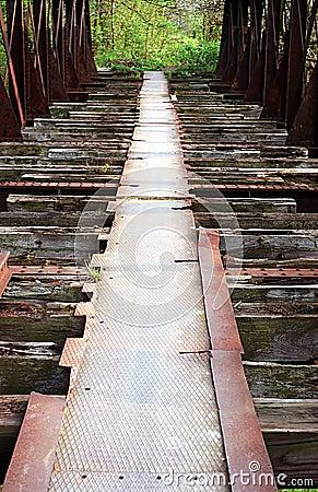 Vecchio ponticello ferroviario