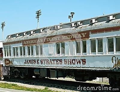 Vecchio treno di carnevale Fotografia Editoriale