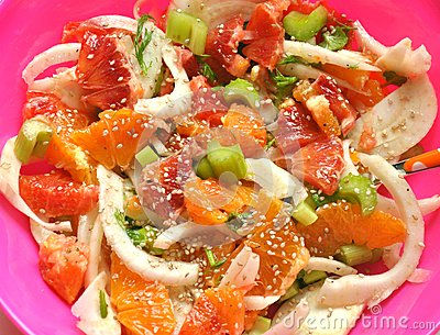 Vegan salad with fennel, orange and mint