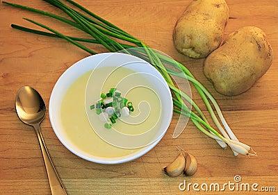 Vegan soup: Garlic and potato