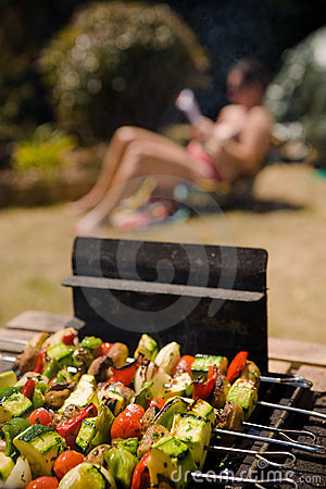 Free Vegetable Barbecue Shish-kebab Sunbathing Girl Royalty Free Stock Photography - 9699977