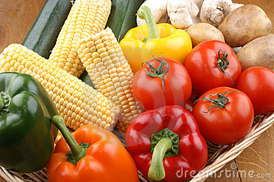 Vegetable basket with fresh vegetables