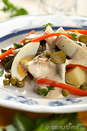 VEGETABLE SALAD WITH EGG Delicious
