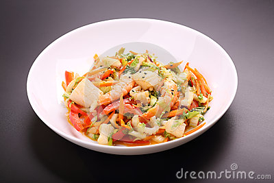 Vegetable salad with seafood