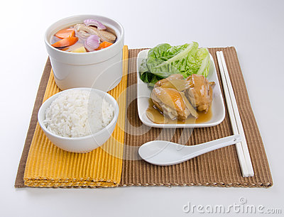 Vegetable soup, stew chicken ang white rice set