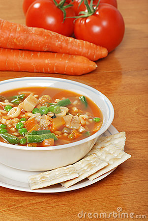 Free Vegetable Soup With Crackers Fresh Carrots Tomato Stock Images - 11695684