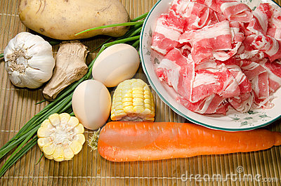 Vegetables ingredient and fat beef slices