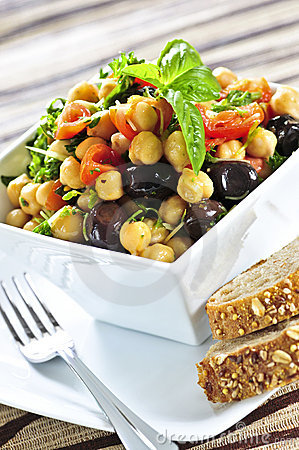 Free Vegetarian Chickpea Salad Stock Images - 6991474