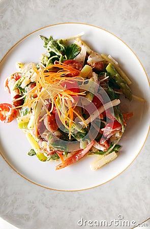 Vegetarischer Spargelsalat