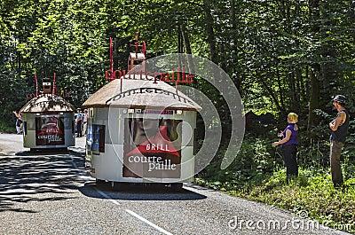 Vehículos del restaurante de Courtepaille Imagen de archivo editorial