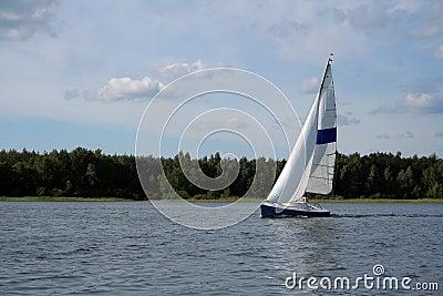 Vela no lago