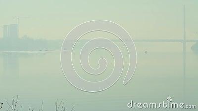 velas do barco da cidade do rio da névoa filme