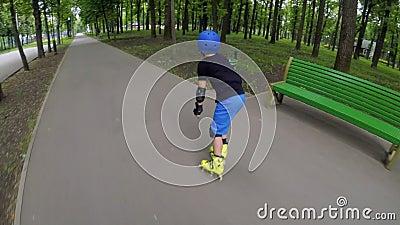 Velocidade de patinagem inline rápida do passatempo do rollerblade do esporte filme