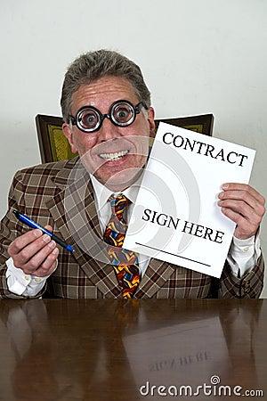 Vendedor de coche usado divertido o banquero torcido, abogado