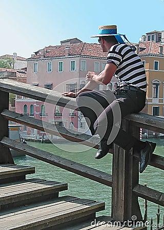 Venedig-Gondoliere Redaktionelles Stockfotografie