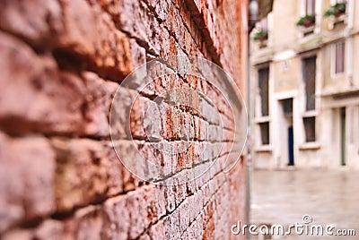 Venetian wall
