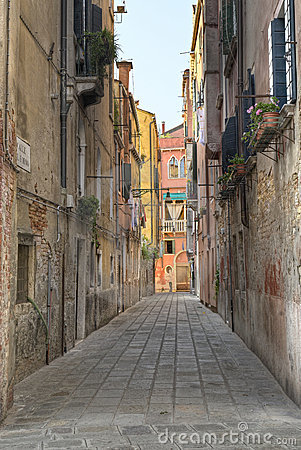 Free Venice Alley Stock Photography - 6210352