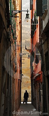 Free Venice Alley Royalty Free Stock Photography - 670587