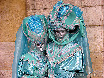 Venice Carnival: Couple in turquoise costumes