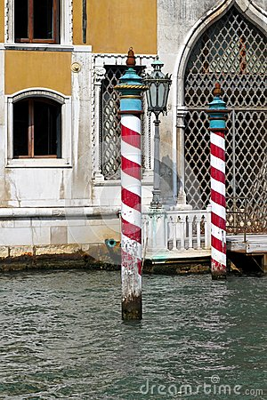 Free Venice Poles Royalty Free Stock Images - 27289219