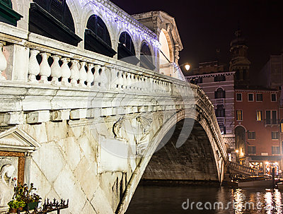 Venice, rialto bridge night