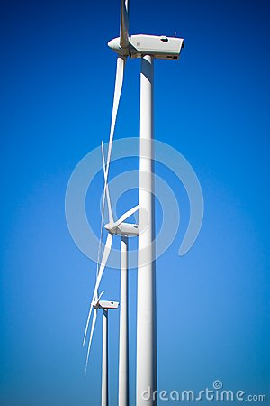 Trois turbines de vent