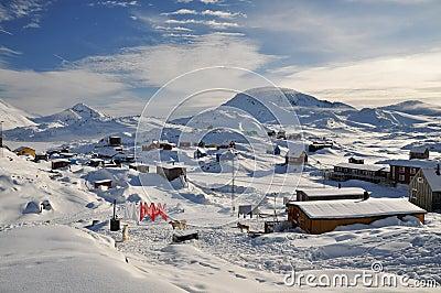 Ver dorp in de winter, Groenland