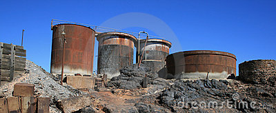 Veraltete Bergwerksausrüstung, gebrochener Hügel