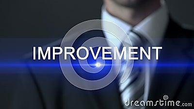 Verbetering, mannetje in pak wat betreft het scherm, professionalisme, ontwikkeling stock videobeelden