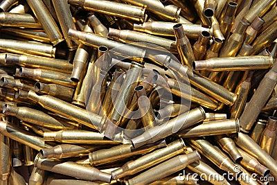 Verbrauchte Munitionskästen