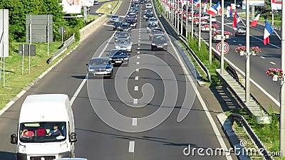 Verkeer op snelweg E-75 stock footage