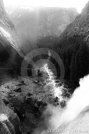 Free Vernal Waterfall Royalty Free Stock Photo - 5173525