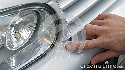 Vernice con rivestimento sul paraurti dell'auto stock footage
