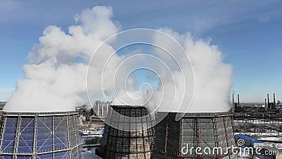 Verontreiniging, verontreiniging, globaal het verwarmen concept Rook en stoom van industriële elektrische centrale stock video
