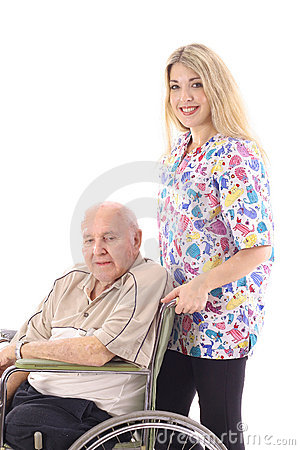 Verpleegster die bejaarde patiënt helpt