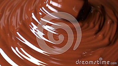 Versamento di cioccolato in polvere video d archivio