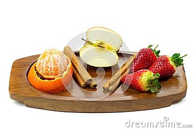 Verse vruchten en kaneel