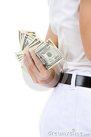 Versteckendes Geld der Frau