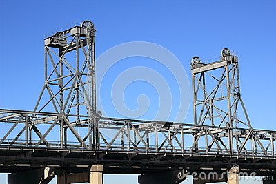 Vertical-lift bridge