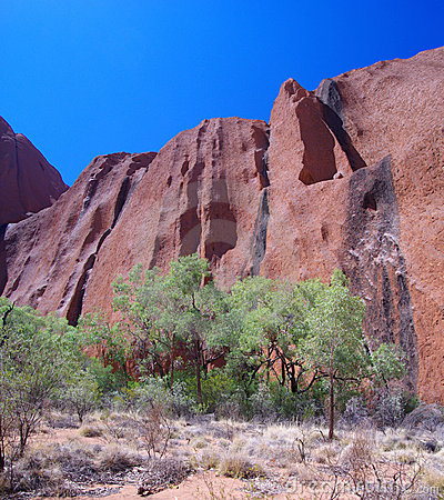 Free Vertical Rock Face - Uluru Stock Photography - 6695212