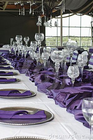 Free Vertical Table Setting For Wedding, Purple Stock Photography - 20191322