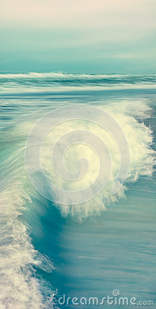 Free Vertical Wave Seascape Stock Photo - 50350100