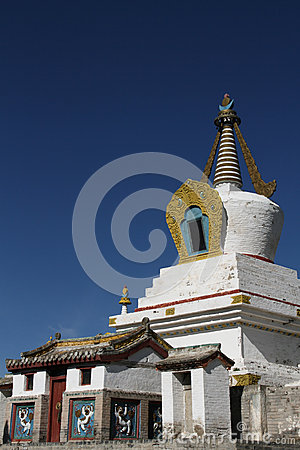 Free Vertical White Stupa In Erdene Zuu Monastery Royalty Free Stock Photo - 32695445
