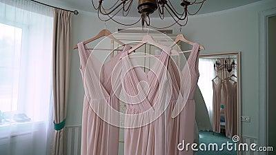 Vestidos de luxo para madrinhas e noivas Bridal White filme
