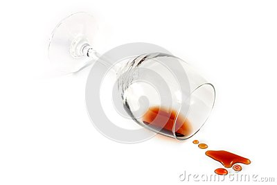Vetro rovesciato di vino